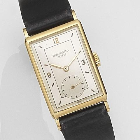 Patek Philippe. An 18ct gold manual wind wristwatch Ref:1443, Case No.644***, Movement No.839***, Circa 1942