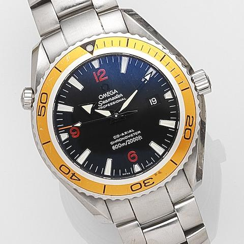 Omega. A stainless steel automatic calendar bracelet watch Seamaster Planet Ocean, Ref:2208500, Movement No.81854983, Sold 31st December 2007