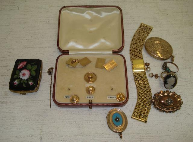 A cased pair of 9ct gold cuff links, with engine turned rectangular plaques and four various dress studs, a gentleman's mesh link watch strap stamped '750', seed pearl set stick pin, a Victorian 9ct gold seed pearl set mourning brooch, a floral painted Victorian brooch, two oval lockets, two dress rings and a pair of cultured pearl set earrings.