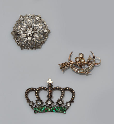Three gem set brooches (3)