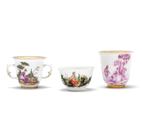 Two Meissen beakers and a teabowl, mid 18th century