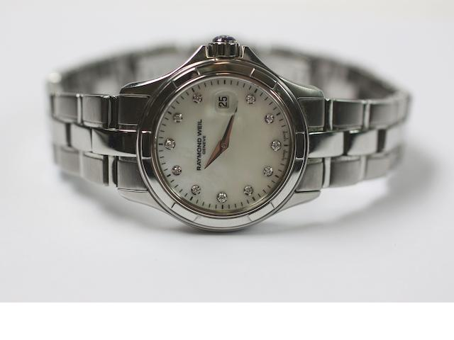 A Raymond Weil wristwatch and a collection of jewellery items