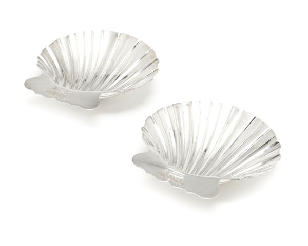 A pair of George III silver shell dishes by Samuel Herbert & Co, London 1764  (2)