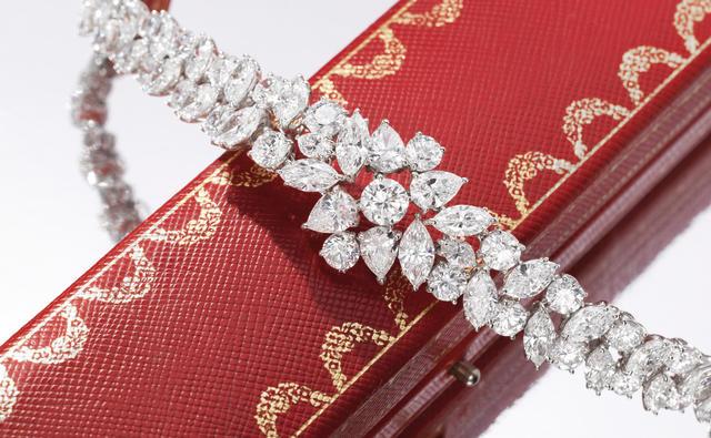 A fine diamond bracelet, by Cartier