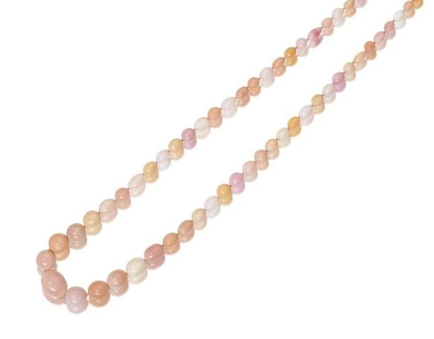 A conch pearl necklace