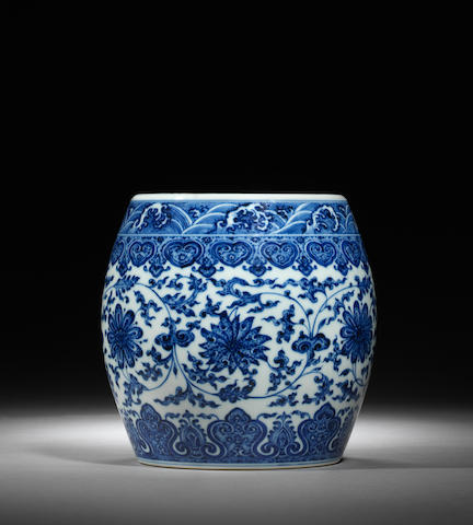 A rare blue and white barrel-shaped jar Qianlong seal mark