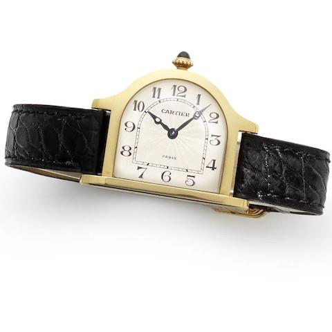 Cartier. An 18ct gold manual wind wristwatch Cloche, Ref:8296, Case No.A112380, Movement No.9408025, Circa 1990