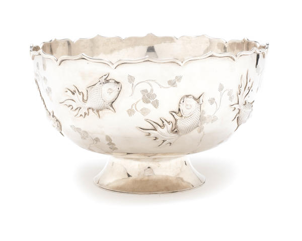A late 19th / early 20th century Chinese export silver bowl by Zee Wo, also stamped with two character marks, Shanghai, circa 1900