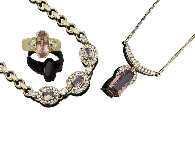 A topaz and diamond-set pendant necklace, bracelet and ring, by H. Stern (3)