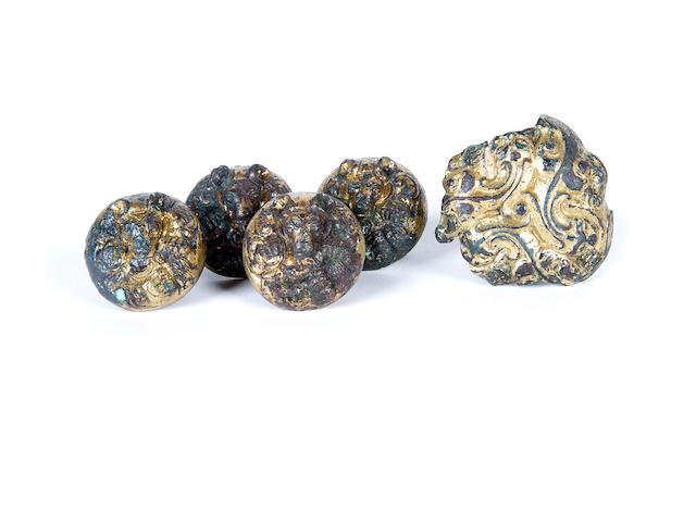 Five bronze bear appliqué, Han