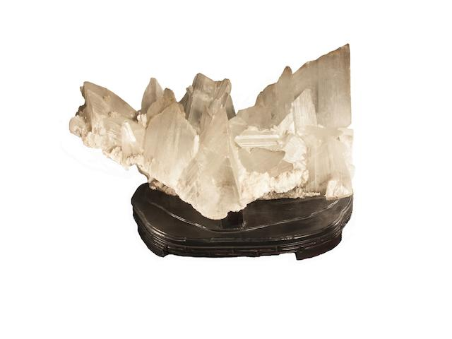 A gypsum freeform of large size,
