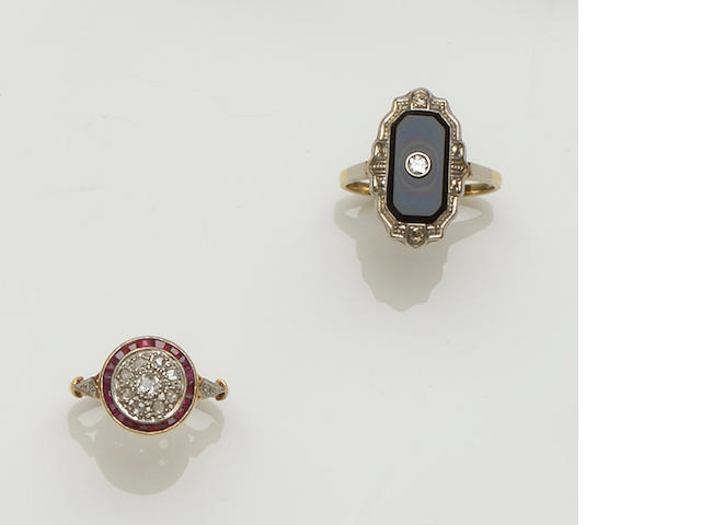 A pair of gem set earpendants and three rings (4)