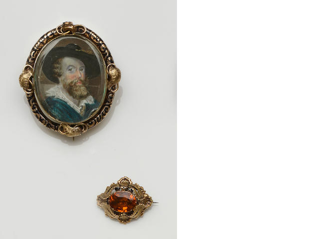 A mid 19th century memorial brooch (6)