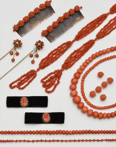 A collection of coral jewellery, contained in early 19th century case