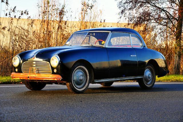 Propriété de la même famille depuis sa sortie d'usine ,1951 Simca 8 1200 Sport coupé