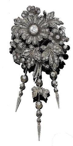 A late 19th century diamond flower brooch