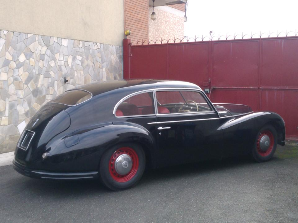 Ayant appartenue à Howard Hawks,1950 Alfa Romeo 6C 2500 Freccia d'Oro Sport berline
