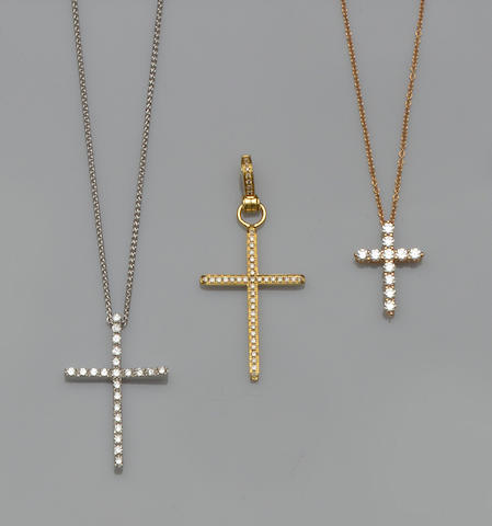 Tiffany & Co: A diamond cross pendant on chain (3)