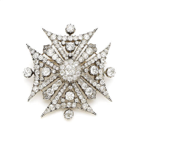 A diamond Maltese cross pendant/brooch,