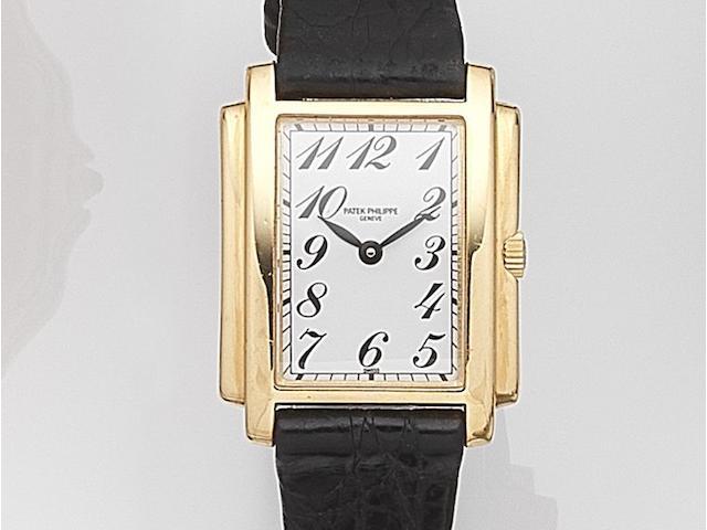 Patek Philippe. A lady's 18ct gold quartz wristwatch Gondolo, Ref:4824, Case No.2971417, Movement No.1623612, Circa 1987