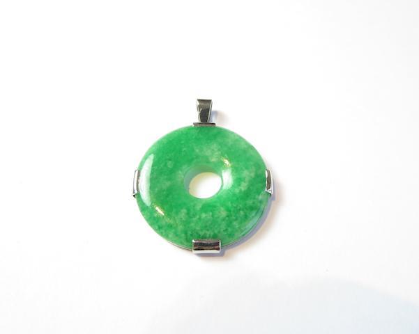 A jadeite 'bi' pendant, by Hamilton & Inches, Edinburgh 2013