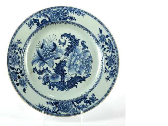 A late 18th Century Chinese blue and white export plate
