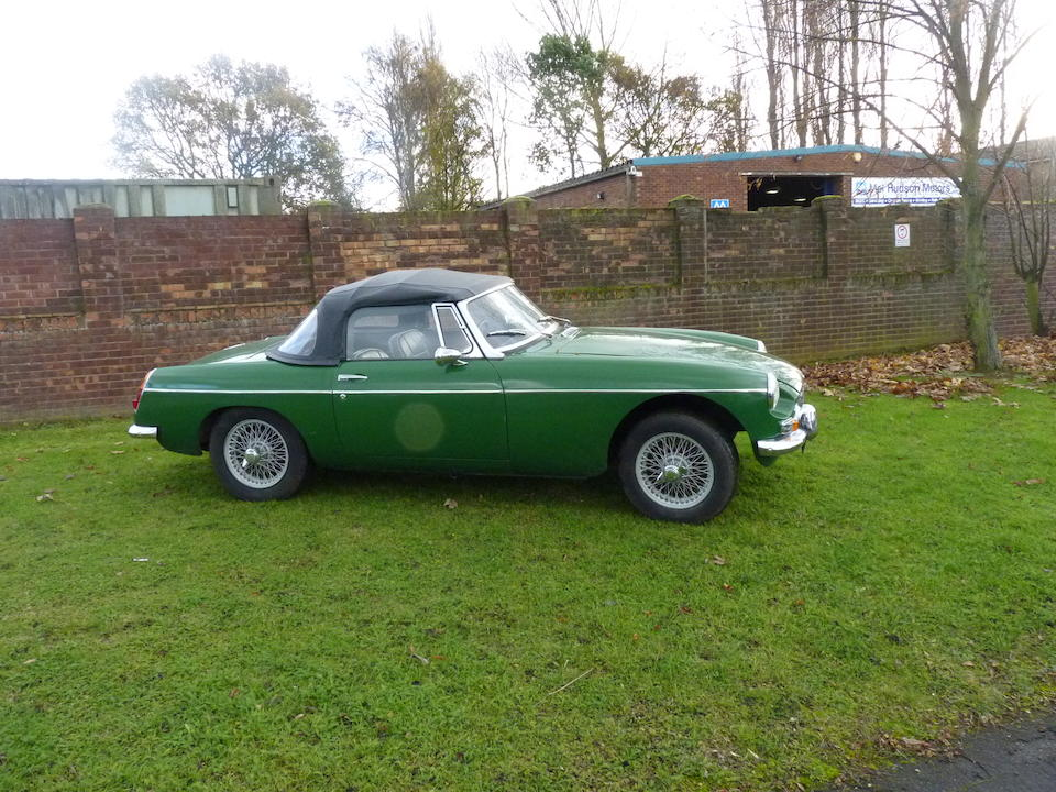 1963 MG B Roadster Chassis no. GHN3/1R87 Engine no. 18GV-H11800