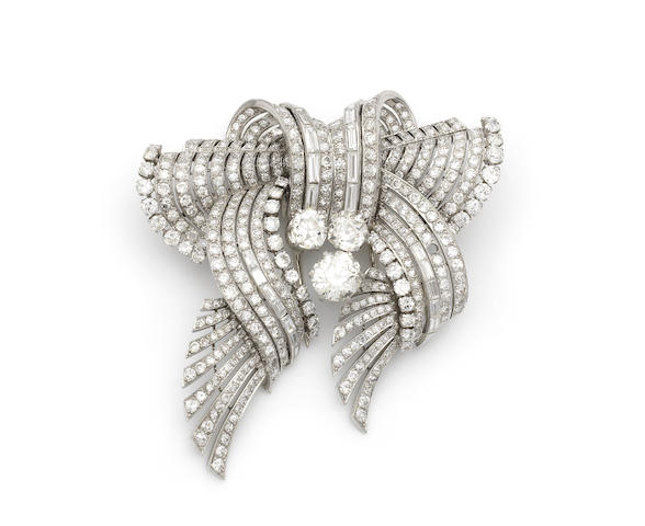 A diamond double-clip brooch/necklace, (3) (partially illustrated)