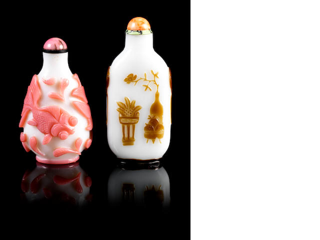 A milky-white and brown overlay glass snuff bottle Yangzhou School, 1800-1850