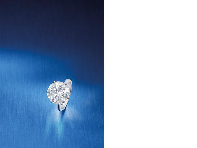 An exceptional diamond single-stone ring