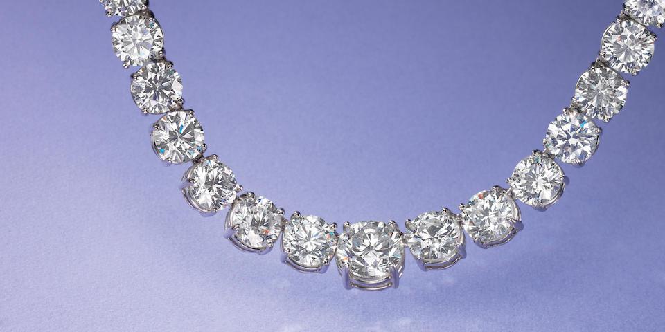 An impressive diamond rivière necklace