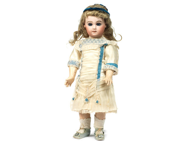 An early portrait Jumeau bisque head Bebe, size 8