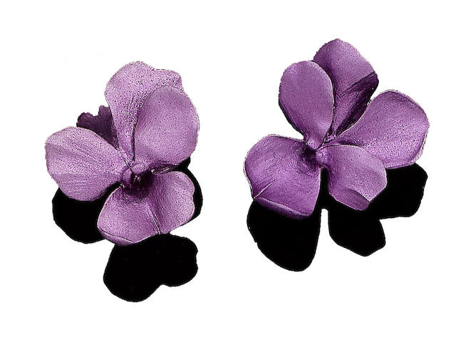 A pair of flower earclips, by JAR