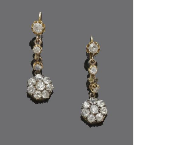 A pair diamond earpendants
