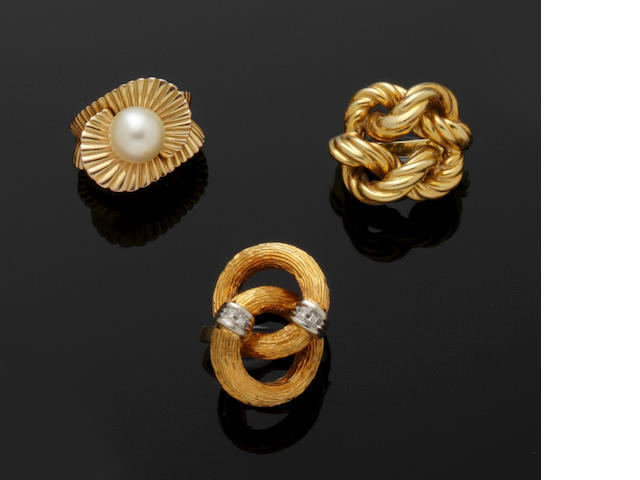 A collection of cultured pearl jewellery and three rings (7)