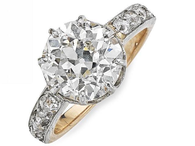 A late Victorian diamond single-stone ring