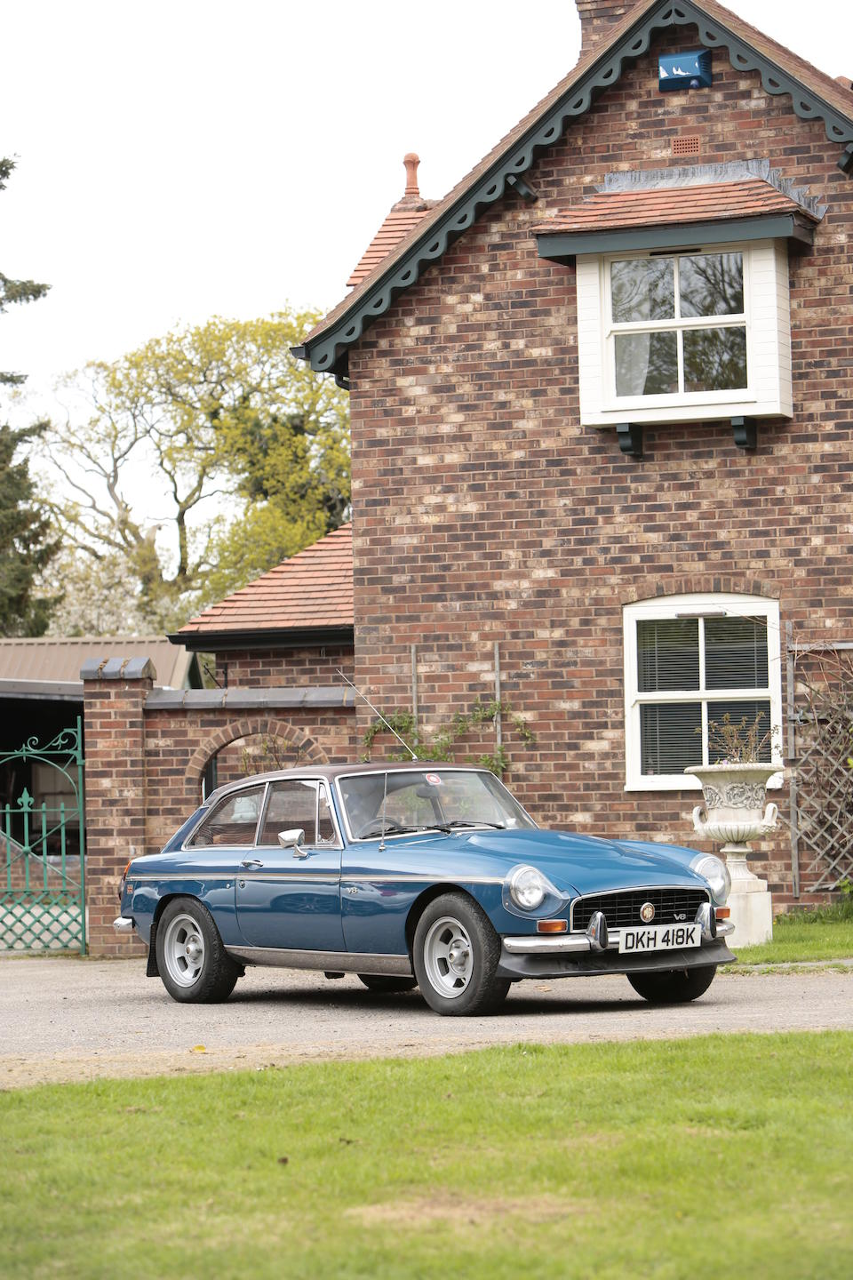 1971 MG B GT V8 Coupé by Costello  Chassis no. GHD5-2599819G Engine no. 18V582-H328