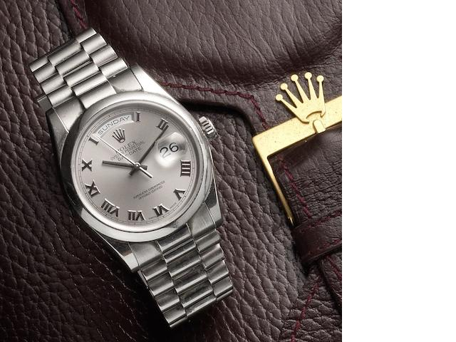 Rolex. An 18ct white gold automatic calendar bracelet watch Day-Date, Ref:118203, Serial No.K34****, Movement No.3 907****, Circa 2002