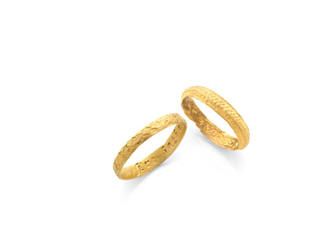 Two gold children's posy rings, (2)
