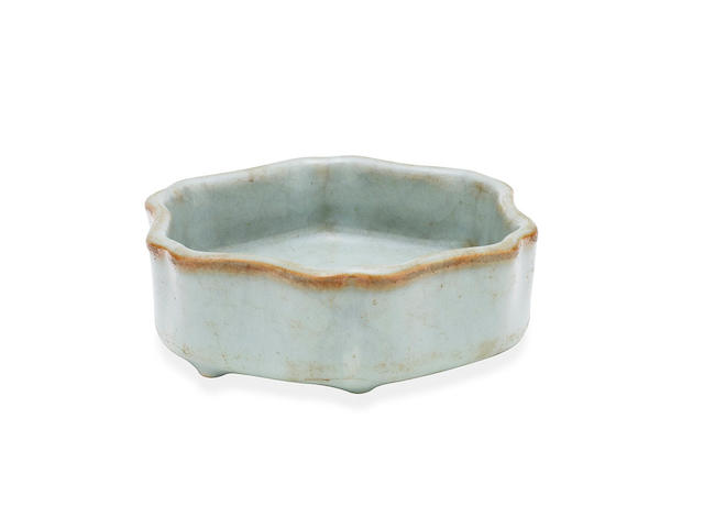 A small Chinese celadon ru-type hexagonal crackle-glaze washer Qianlong six-character underglaze blue seal mark, late Qing dynasty