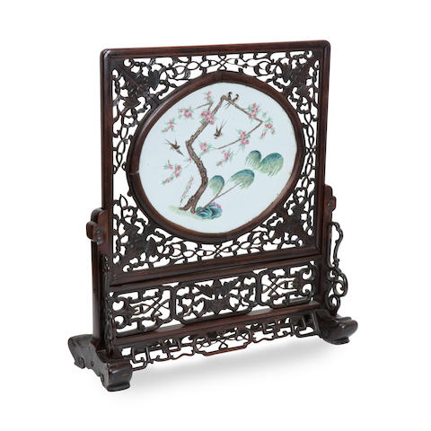 A porcelain mounted table screen 19th century