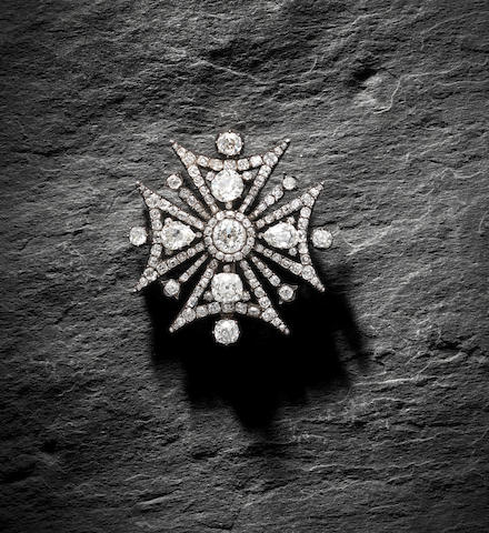 A diamond-set Maltese cross brooch/pendant,