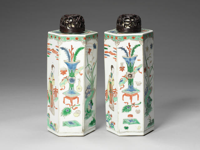 A pair of hexagonal famille-verte tea canisters  Kangxi