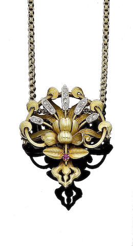 An art nouveau gold and gem-set brooch/pendant necklace, (2)
