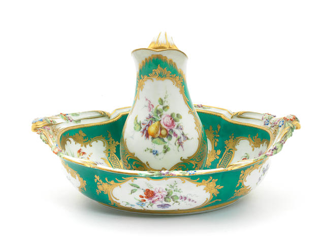 A Vincennes green-ground ewer and basin, circa 1757