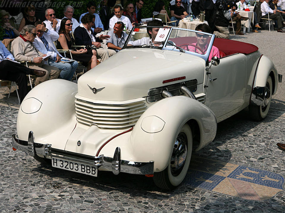 Première de classe au Concours d'Elégance Villa d'Este 2007, Cord 812 Phaëton à compresseur 1937