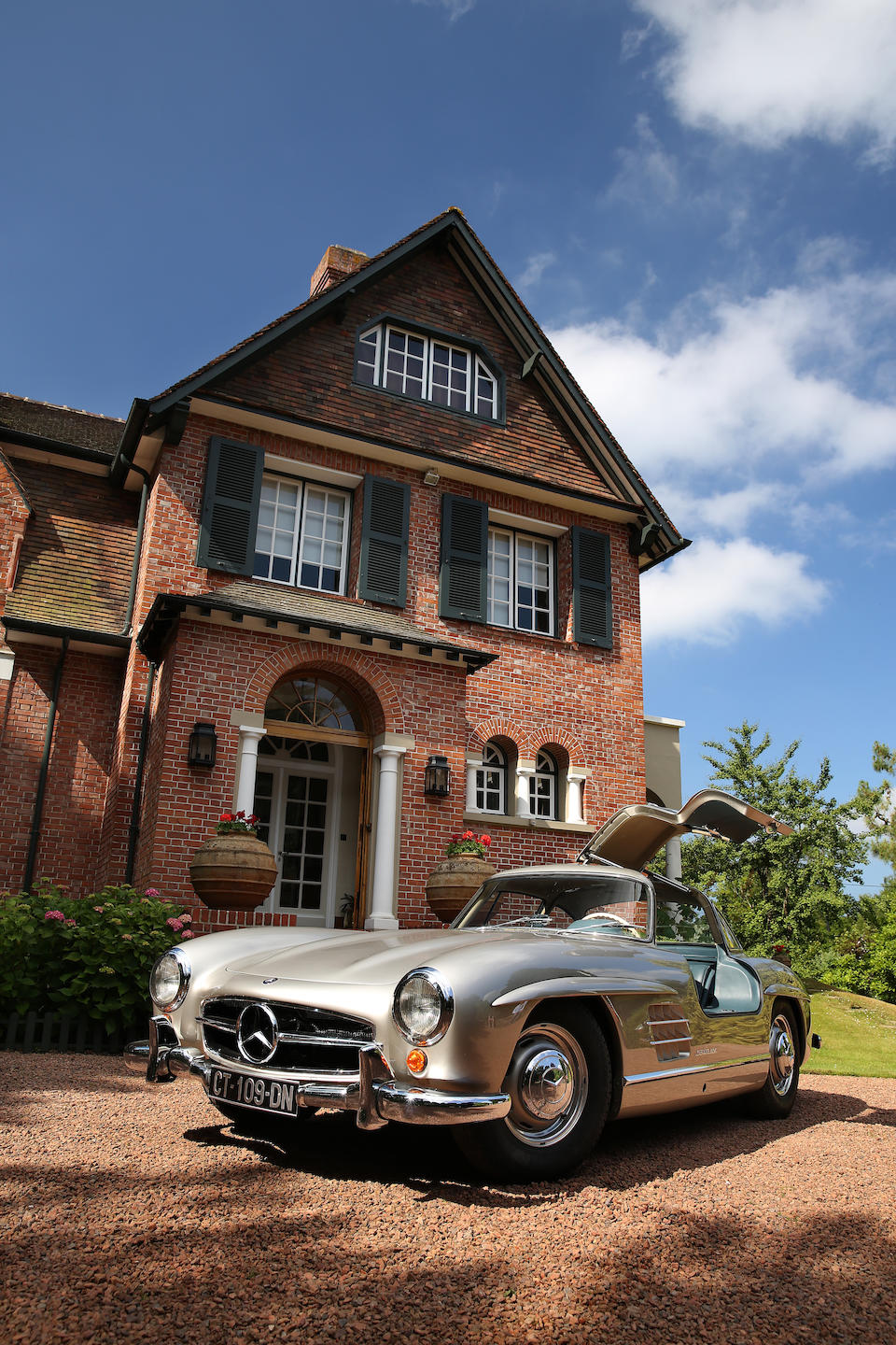 1955  Mercedes-Benz  300 SL 'Gullwing' Coupé  Chassis no. 198.040-55-00049 Engine no. 198.980.4500209
