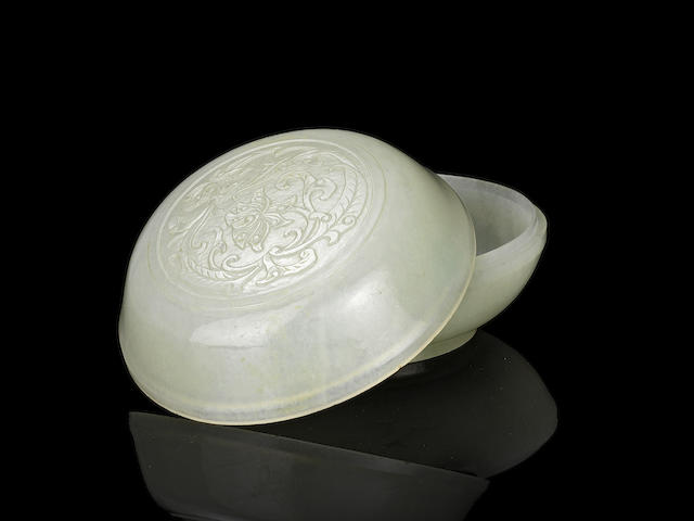A fine white jade 'lotus' box and cover Qianlong (2)