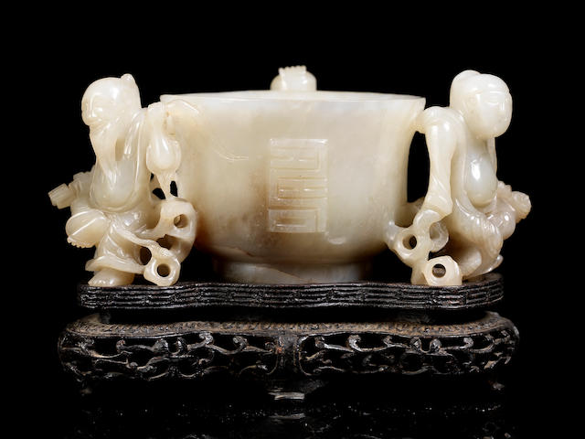 An impressive green jade 'shou' cup 16th/17th century (2)