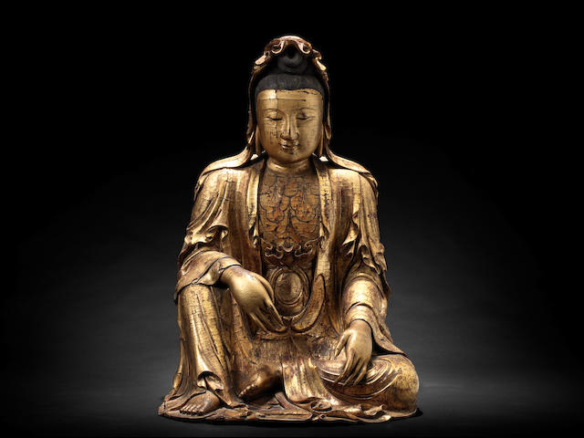 A rare and large gilt-lacquered wood figure of Guanyin 17th/18th century
